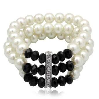 Bracelet fashion pearls and crystals