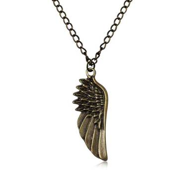 Pendants Wide Angel Wing with chain